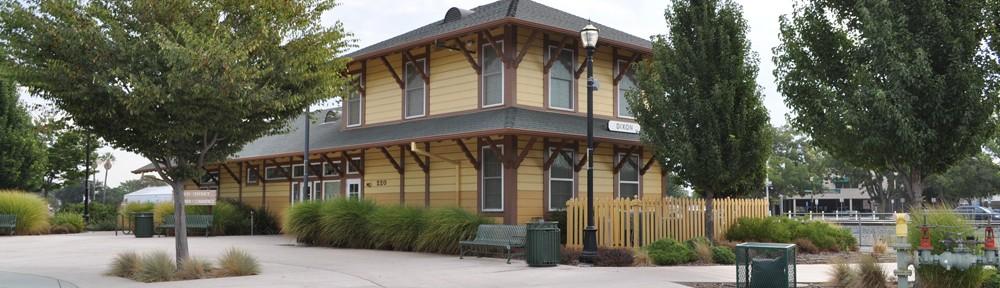 Dixon Transit Station Corner – General Contractor